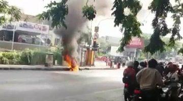 Diduga Konsleting Motor Matic Terbakar