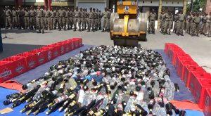 Ribuan Botol Miras Dimusnahkan