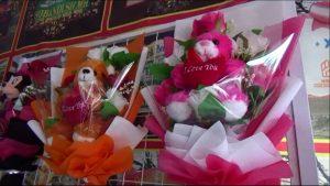 Pedagang Bunga Sepi Pembeli Saat Valentine